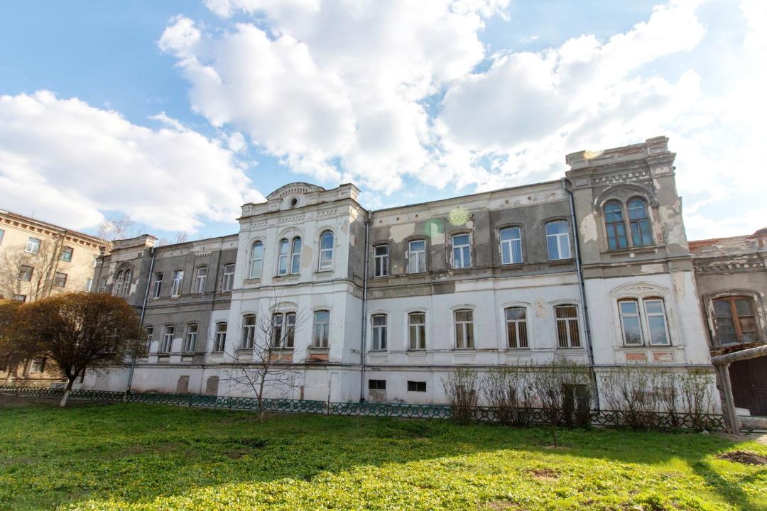 головний навчальний корпус Харківського хліборобського училища, збудований в 1885-1886 рр.