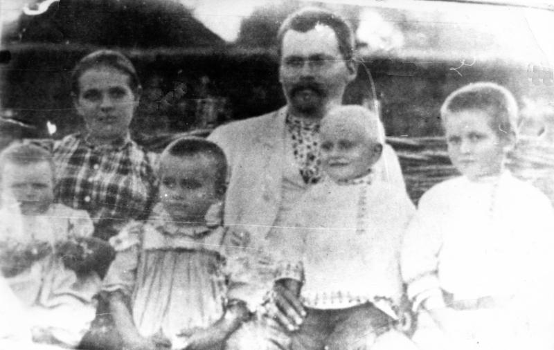 Георгій Вороной із дружиною Ольгою Митрофанівною та дітьми