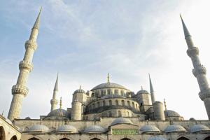 Туреччина запроваджує триденний локдаун