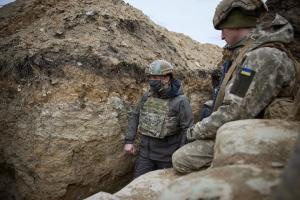 РФ стягивает войска к границе с Украиной, чтобы «проверить» Запад - Зеленский