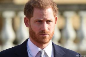 Принц Гарри вернулся в Британию на похороны дедушки - СМИ