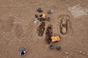 На Корсиці знайшли пізньоримські поховання в амфорах