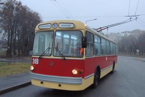 У Вінниці стартував сезон подорожей на туристичному ретротранспорті