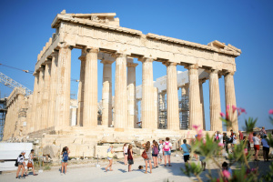 Greek tourism minister: We are waiting for Ukrainians from May 14
