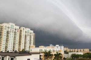 На південь США налетіли шторми, є загиблі