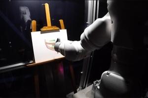 У Японії створили робота-художника
