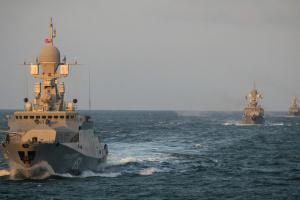 У Чорне море на «навчання» заходять 15 військових кораблів РФ