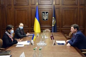 Венедіктова обговорила з Послом Латвії захист інвестицій і повернення активів