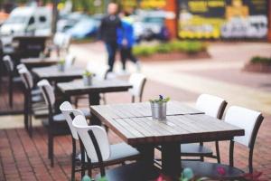 Столичним кафе і ресторанам дозволили монтувати літні майданчики