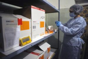 «Лекхим» поставил в Украину последнюю партию вакцины от Sinovac