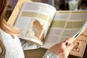 На Закарпатті надрукували двомовну книгу про «Соляний шлях»
