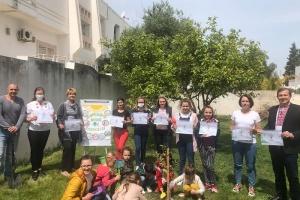Учні української школи у Тунісі висадили саджанці пальми та кумквата