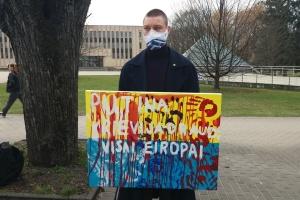 У Латвії пікетували посольство Росії з вимогою припинити агресію щодо України