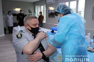 В полиции Киева начали COVID-прививки: кого вакцинировали в первую очередь