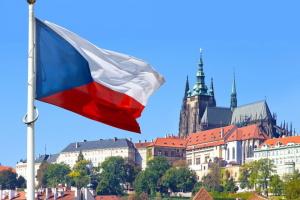 Прага виконує ультиматум і «вирівнює» кількість російських дипломатів