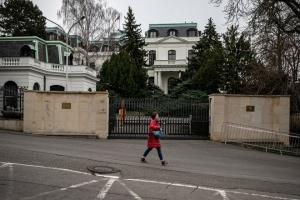 Посольство Росії у Празі облили кетчупом