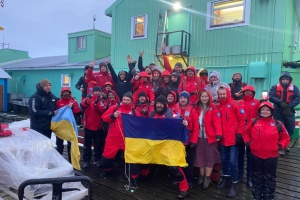 На станції «Академік Вернадський» відбулась перезмінка українських полярників