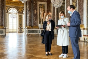Олена Зеленська запустила україномовний аудіогід у Версальському палаці