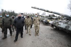 Awakow inspiziert Truppen des Innenministeriums in der Ostukraine