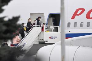 Видворені російські дипломати відбули з Праги