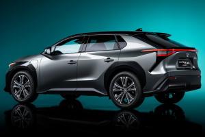 Toyota обещает 15 моделей электрокаров до 2025 года