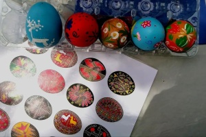 Українська творча студія на Кіпрі провела майстер-клас із розпису писанок