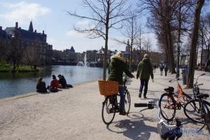Нідерланди послаблять карантин і скасують комендантську годину