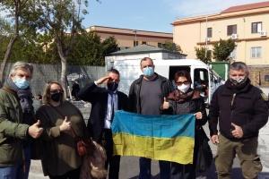Українці Італії надіслали в Україну гумдопомогу