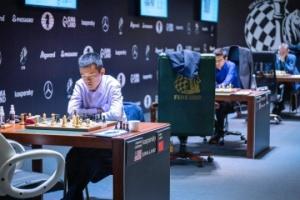 Шахи: Непомнящий робить заявку на перемогу у турнірі претендентів