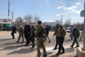 Parlamentarzyści Ukrainy, Polski i Litwy odwiedzili punkt kontrolny Hnutowe