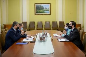 Заступник керівника ОП та голова Представництва НАТО обговорили ситуацію на Сході