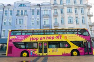 У Вінниці запровадили екскурсійні тури двоповерховим автобусом-кабріолетом