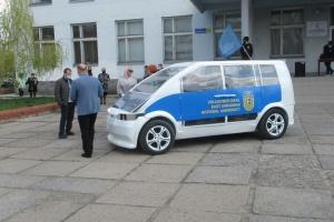 На Луганщине ученые представили модель электромобиля