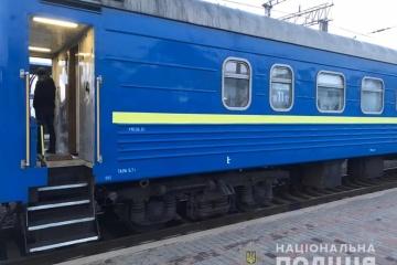 Zwei Soldaten eröffnen Schießerei in Zug von Kostjantyniwka nach Kyjiw – Polizei