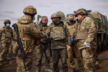 ロシアは西側を『確認』するためにウクライナ国境付近に軍を集結している=ゼレンシキー大統領