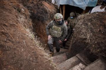 Zelensky visits frontline positions where Ukrainian soldiers died