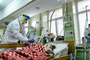 4月12日時点 ウクライナ国内新型コロナ新規確認数 7856件