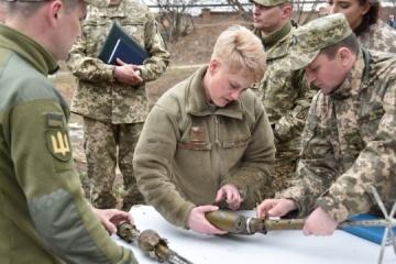U.S. delegation visits JFO area and talks to Ukrainian defenders