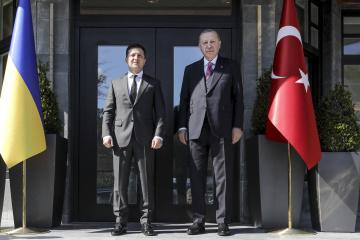Зеленский поблагодарил Эрдогана за готовность присоединиться к «Крымской платформе»