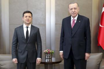 Zelensky: Ucrania y Turquía tienen todas las oportunidades para profundizar la cooperación bilateral