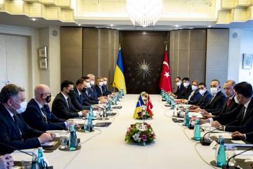 Ukraine, Turkey discuss response to challenges in Black Sea region - Zelensky