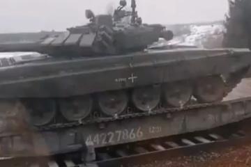 ロシア軍部隊のウクライナ国境への集結は4月末まで続く=宇国防省情報総局