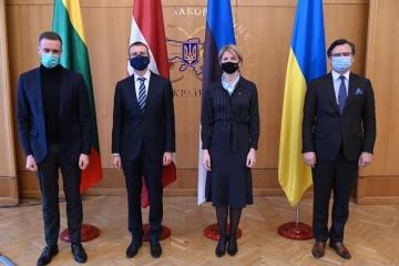 Titulares de Exteriores de los países del Báltico: Ucrania nunca quedará sola