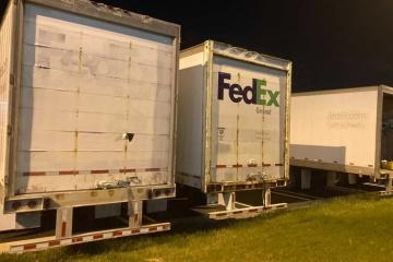 В Индианаполисе мужчина открыл огонь в здании FedEx, восемь погибших