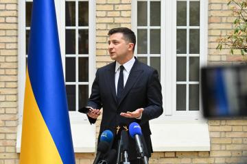 Volodymyr Zelensky : Je suis prêt à discuter avec Poutine dans un format à quatre