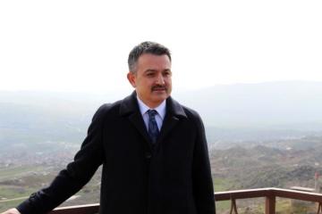 В Турции самолет с министром на борту совершил аварийную посадку