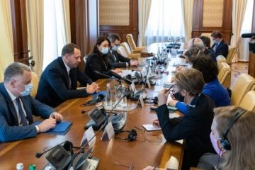 Yermak trata con embajadores del G7 establecimiento de la paz en el este, renovación de la Corte Constitucional y reformas