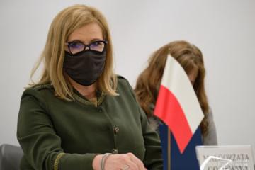 Gosiewska: Rusia no se atreverá a una escalada en Ucrania si Estados Unidos y Europa dan una respuesta firme