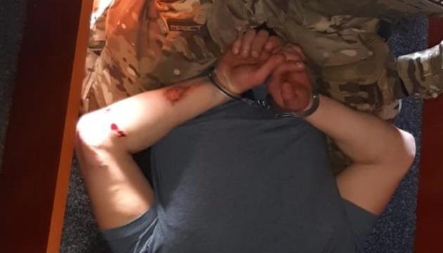 Затримали чоловіка, який кинув гранату у поліцейських на Луганщині
