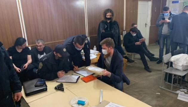 На одній із дільниць на Прикарпатті голосування визнали недійсним - ЧЕСНО